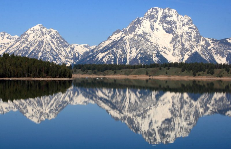 Nice reflection of Mt. Moran on Jackson Lake, Grand Tetons National Park