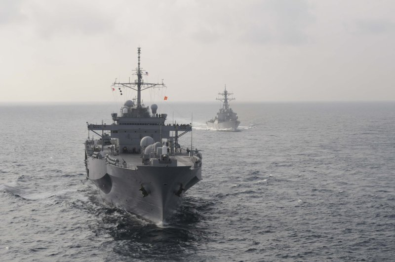 USS Blue Ridge and USS Stethem align course for underway replenishment.