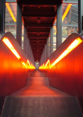 Treppe in Orange