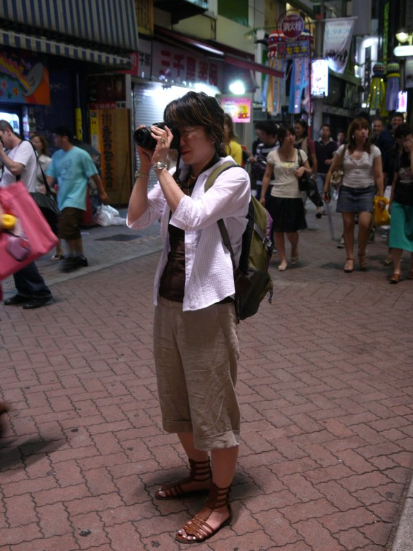 Ami wearing gladiator sandals on shooting in Shibuya Centergai street, P2000279