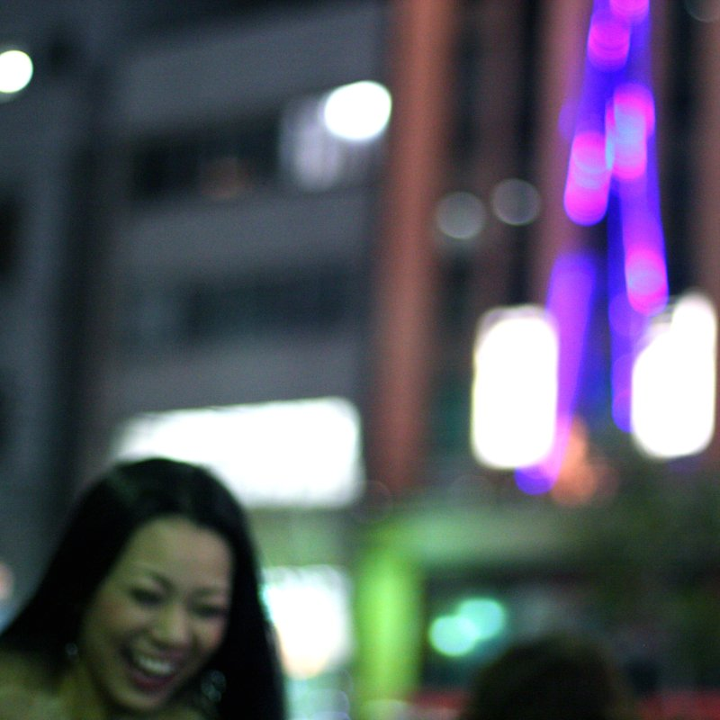 Tokyo street photography - The laughing lady
