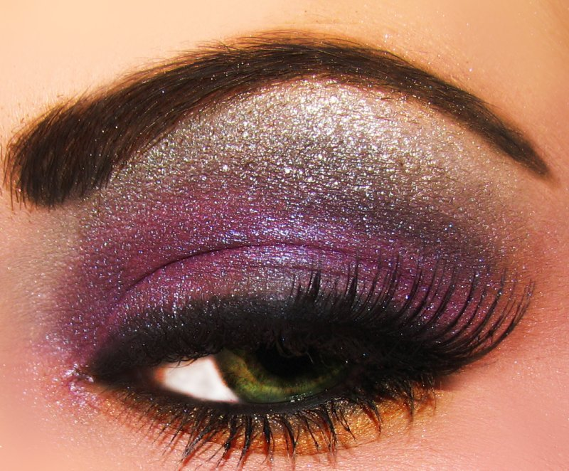 duochrome super macro eye shadow by m.a.c., ben nye, and coastal scents.