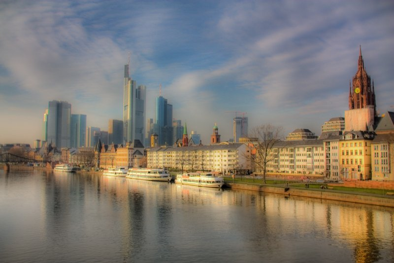 frankfurt skyline bilddatenbank bilder kostenlos und lizenzfreie fotos slideshow. Black Bedroom Furniture Sets. Home Design Ideas