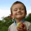 I love my apple, when I grow up will be famous conductor