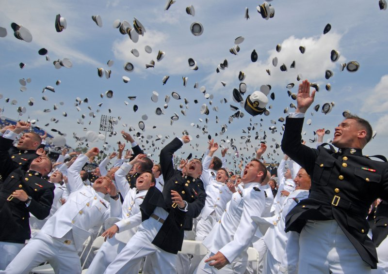 Class of 2011 graduates from US Naval Academy [Image 8 of 8]