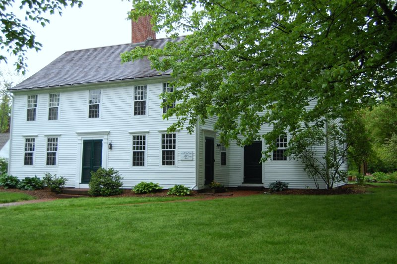 32. Study in Green and White: The Loomis Homestead