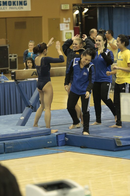 UCLA Bruins Women's Gymnastics - 1037