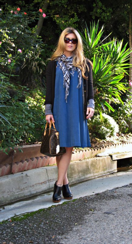 vintage teal shift dress with cardigan ankle boots cat eye sunglasses and louis vuitton bag+los angeles