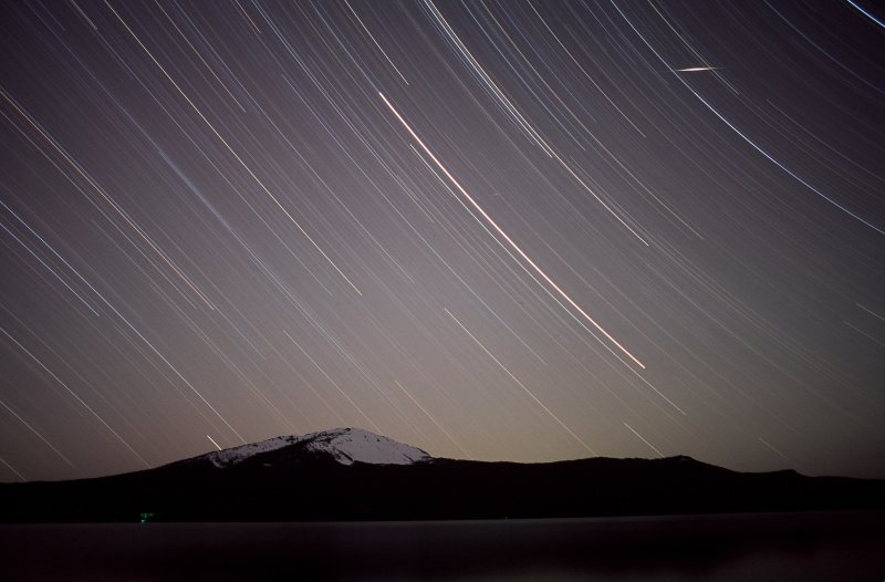 Stars with meteor