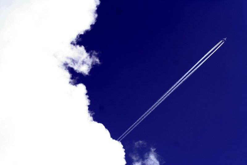 bluewhite jetstream