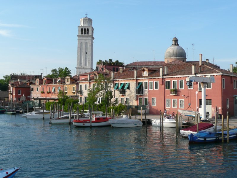 houses and boats in venice