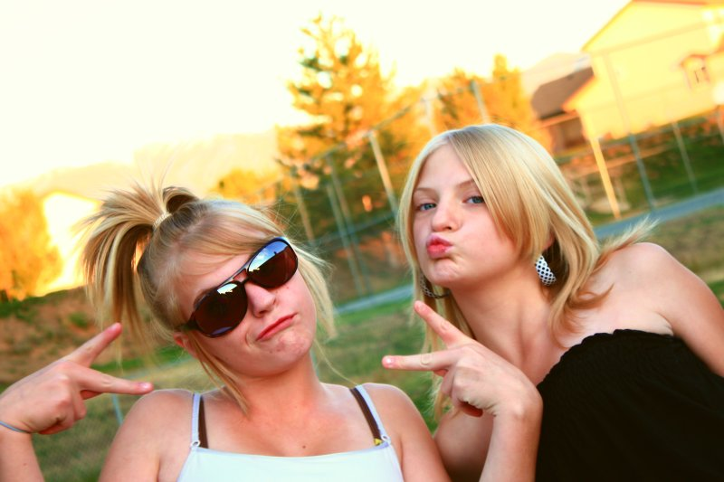 Funny Peace and Kisses Girls