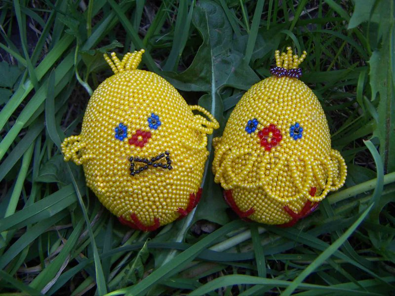 Things That Make My House A Home: Baby Chickens Beaded Easter Eggs from Ternopil, Western Ukraine