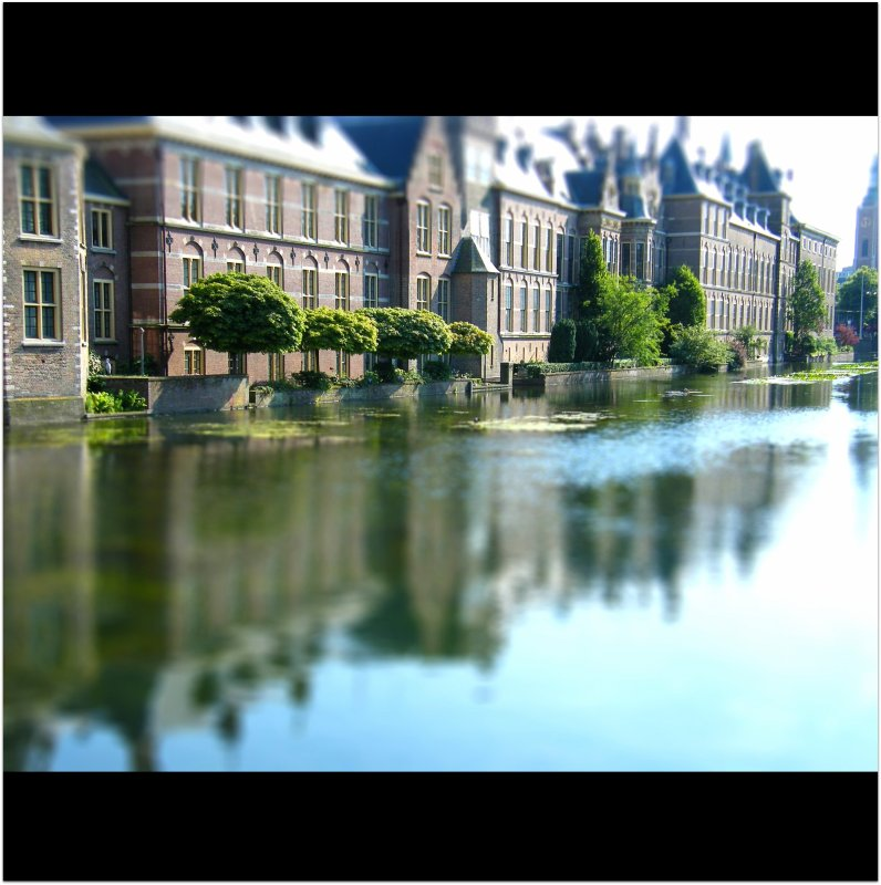The Binnenhof : Den Haag : THE HAGUE : The Netherlands : THE DUTCH PARLIAMENT ( The house of Representatives ): World : SENSE : Enjoy the beauty! :)