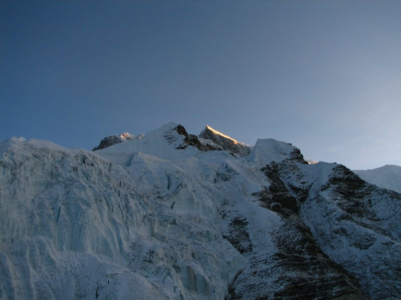 Nepal - Island Peak - 002 - Sunrise striking Lhotse Shar