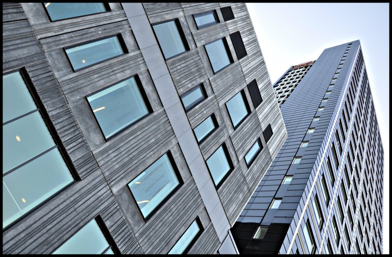 Sometimes, we HAVE TO LOOK UP! The Crowne Plaza Copenhagen Towers : DENMARK : Enjoy URBAN DESIGN! :)