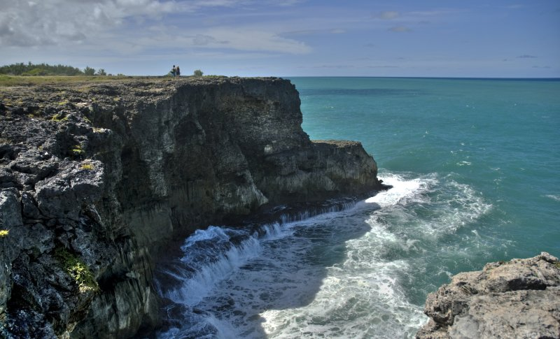 Walking to the cliffs, Barbados