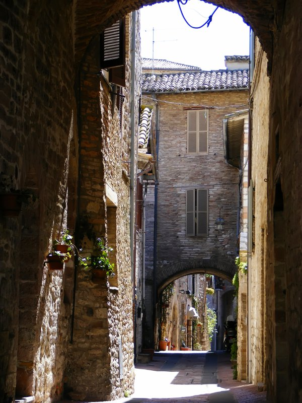 Gasse in Assisi 1