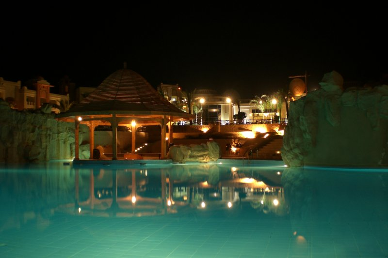 Abends am Pool