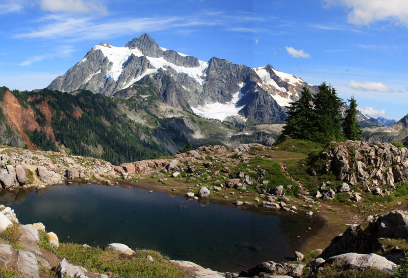 Stitched shot of Mt. Shuksan from the Artist Point trail (view on large)