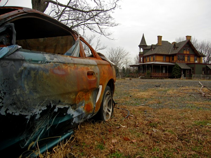 Torched Mustang - Kreischer Mansion