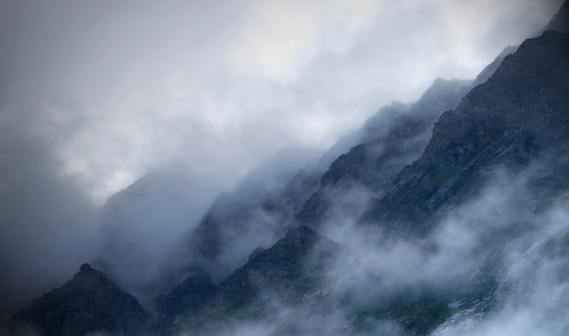 Far over the Misty Mountains cold...