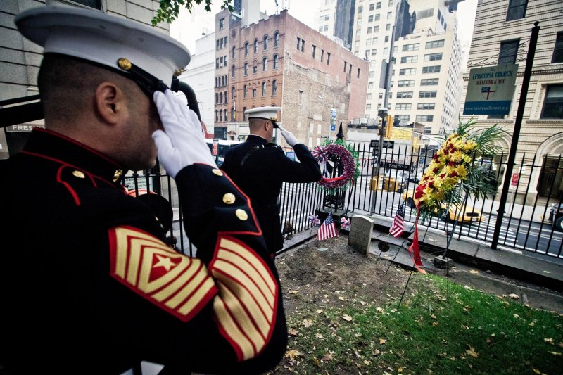 Marines place wreath at grave site of 3rd Commandant on Marine Corps' birthday, Nov. 10