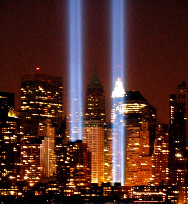 """NYC Twin Lights 9/11""""Tribute in Lights""""  Memorial 2005"""