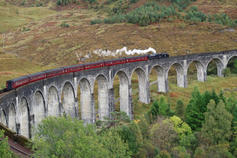 Glenfinnan-Viadukt in den West-Highlands 02