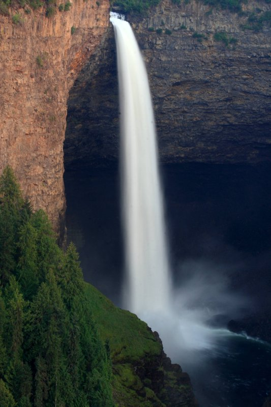 Late afternoon shot of the impressive Helmcken Falls, Wells Gray Provincial Park, British Columbia