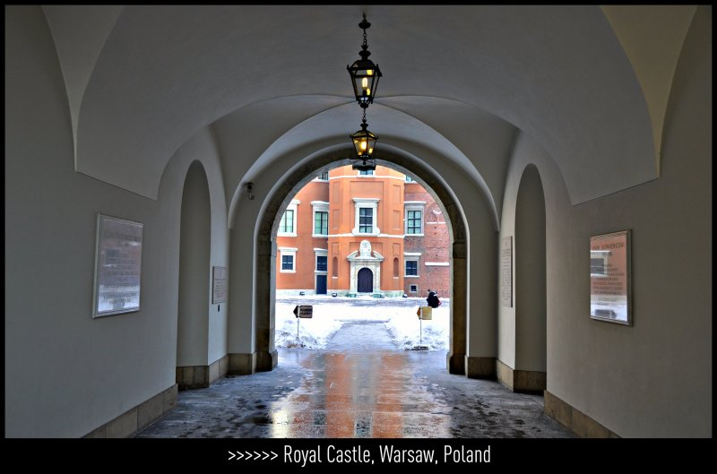 [ Royal entrance : Beauty to discover ] The Royal Castle, Old Town, Warsaw, Poland